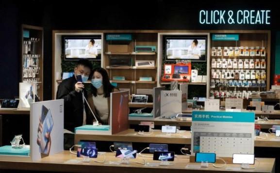 افت ۱۴ درصدی فروش جهانی گوشی هوشمند در فوریه ۲۰۲۰
